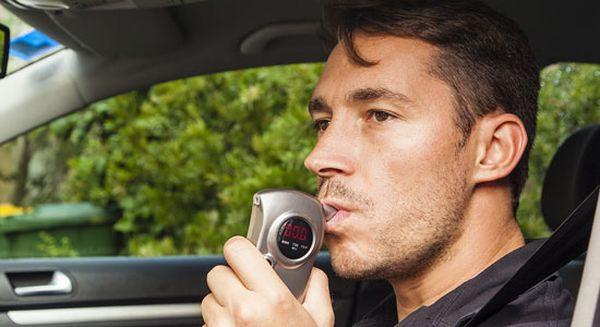 Автоюрист вказав водіям на незаконну вимогу патрульних