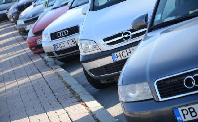 Скільки коштують автівки у Польщі, Литві та Україні