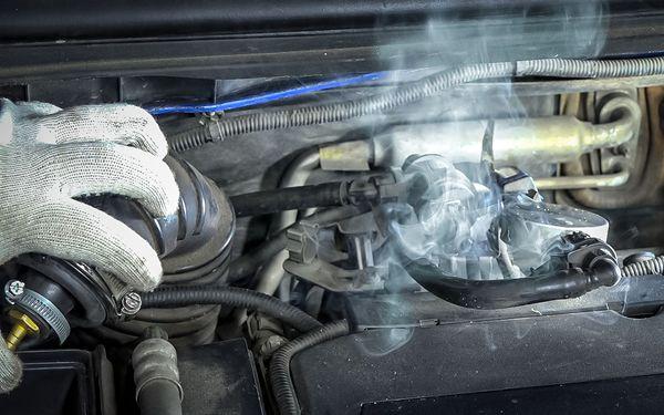 Как найти поломку в машине с помощью сигареты