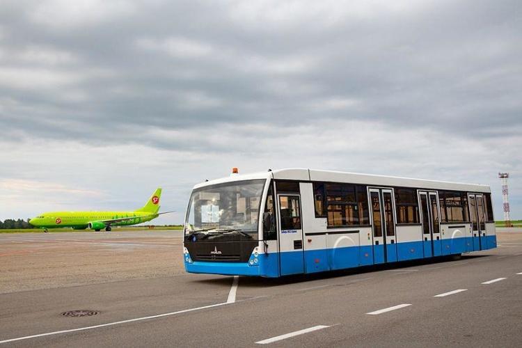 Презентували новий автобус МАЗ-171 на 122 пасажирів