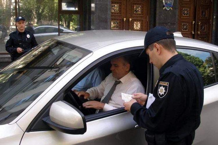 За що в Україні можна втратити право на кермування автомобілем