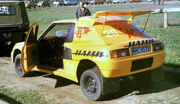 В мережі показали унікальний повнопривідний спорткар на базі «Таврії»