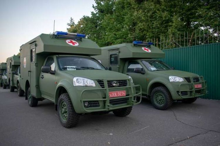 «Богдан» достроково виконав замовлення з виготовлення санітарних автомобілів
