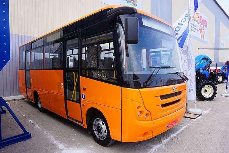 ЗАЗ продемонстрував новий приміський автобус на «АгроЕкспо»